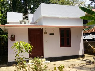 Perfect House in Varkala with A/C, sleeps 2 - Varkala vacation rentals