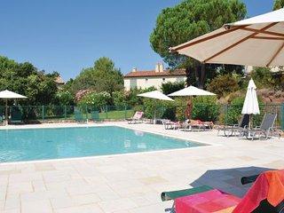 3 bedroom Villa in St. Endreol, Var, France : ref 2184300 - Le Muy vacation rentals