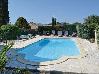 3 bedroom Villa in Roquebrune sur Argens, Var, France : ref 2220346 - Bagnols-en-Foret vacation rentals