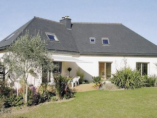 5 bedroom Villa in Plerin sur Mer, Cotes D ´armor, France : ref 2221105 - Plerin vacation rentals