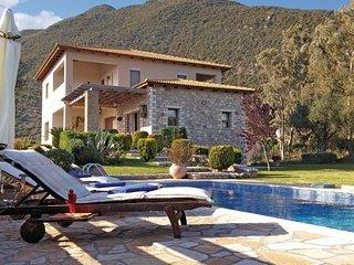 4 bedroom Villa in Skaloma Nafpaktos, Central Greece, Greece : ref 2222019 - Marathias vacation rentals
