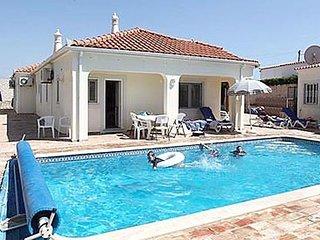 4 bedroom Villa in Vale De Parra, Albufeira, Algarve, Portugal : ref 2231646 - Patroves vacation rentals