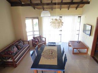 Bright 2 bedroom Garopaba Condo with Internet Access - Garopaba vacation rentals