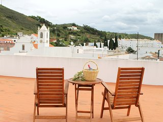 House in picturesque village (20 min to beaches) - Fonte do Bispo vacation rentals