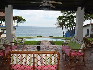 Oceanfront Happy Farallon Beach House - San Salvador vacation rentals