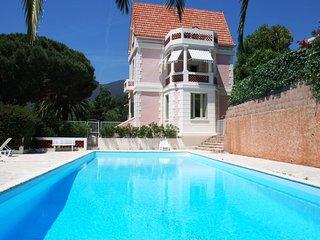 Magnificent apartment in art Nouveaux House near St Tropez - Cavalaire-Sur-Mer vacation rentals