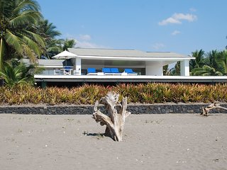 Beachfront Luxury with pool and spectacular views - Barra de Santiago vacation rentals
