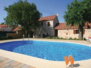 3 bedroom Villa in Sibenik-Lozovac, Sibenik, Croatia : ref 2277069 - Lozovac vacation rentals