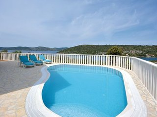 4 bedroom Villa in Drvenik Veliki, Island Of Drvenik Veli, Croatia : ref 2277570 - Veliki Drvenik vacation rentals