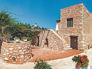 5 bedroom Villa in Pirgos Dirou Mani, Peloponese, Greece : ref 2279823 - Charouda vacation rentals