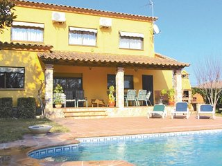 4 bedroom Villa in Caldes de Malavella, Costa Brava, Spain : ref 2280579 - Llagostera vacation rentals