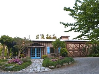 The Coach House at Wildwood - Pet Friendly - Vashon vacation rentals