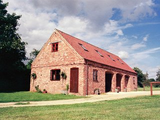 Cozy Barn with Internet Access and Television - Navenby vacation rentals