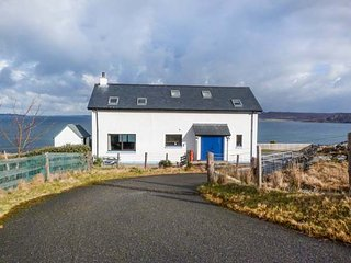 COAST HOUSE, detached, en-suite, woodburner, dog-friendly, stunning views, near - Laide vacation rentals