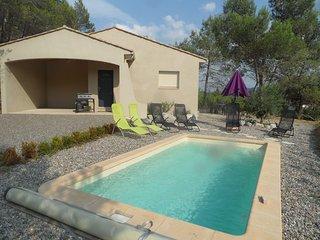 Villa entre lac et cité et sa piscine chauffée - Cazilhac vacation rentals