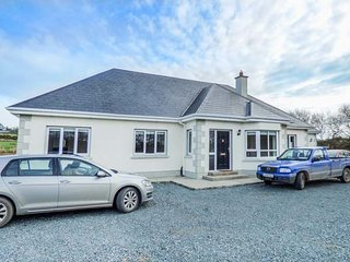 2 KILTRA, detached, five bedrooms, isolated, WiFi, pet-friendly, nr - Wellingtonbridge vacation rentals