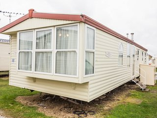 Ref  90047, Seaview are at kessingland Beach , 3 Bed, 8 Berth static caravan. - Kessingland vacation rentals