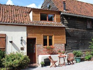 La Petite Pâquerette - beamed cottage for 2, complete with cosy wood burner - Auxi-le-Chateau vacation rentals