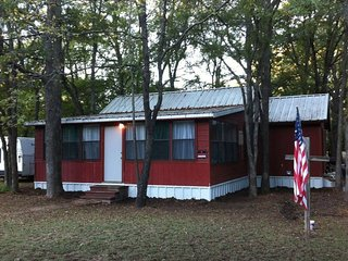 2 bedroom House with A/C in Denison - Denison vacation rentals
