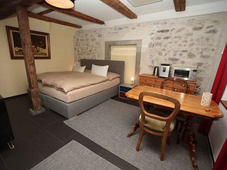 Nice Private room with Internet Access and Parking - Horw vacation rentals