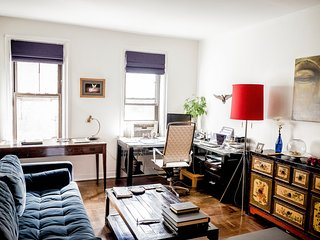 Stunning modern 1BR APT, 15min from grand central - Sunnyside vacation rentals
