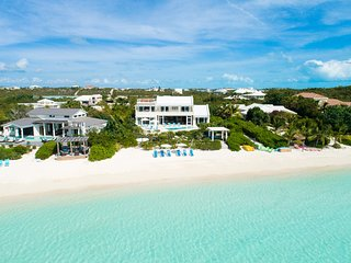 Villa Blue Heaven 4/5 BR-Fabulous Sandy Beach/Pool/Kayaks/Paddleboards/Sunsets! - Providenciales vacation rentals