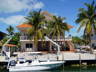 Seas the Day in this Waterfront Home on Oceanside MM90 - Tavernier vacation rentals