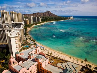Direct Oceanfront in the Heart of Waikiki! Spectacular New Custom Reno!! - Honolulu vacation rentals