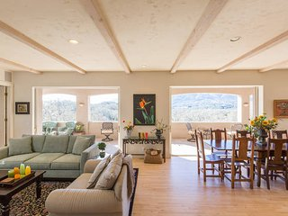 Sunny House with Deck and Balcony - Glen Ellen vacation rentals