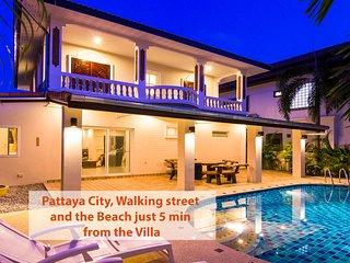 Villa Waree with pool, just 5 minutes from beach - Pattaya vacation rentals