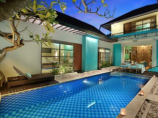 Cozy 5 Bedroom Private Pool Villa in Legian - Legian vacation rentals