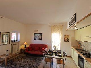 Appartamentino attrezzatissimo vicino al mare e ai negozi + terrazza + wifi - Bordighera vacation rentals