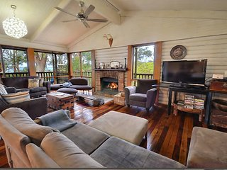 Perfect 5 bedroom House in Hyams Beach - Hyams Beach vacation rentals