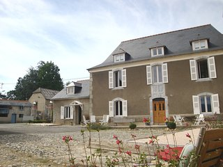 Suite in a charming B&B between Pau, Lourdes and Tarbes - Nay vacation rentals
