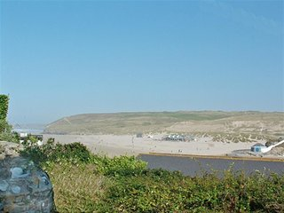 Bright 2 bedroom Cottage in Perranporth with Internet Access - Perranporth vacation rentals
