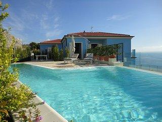 Villa Azzurra - San Lorenzo al Mare vacation rentals