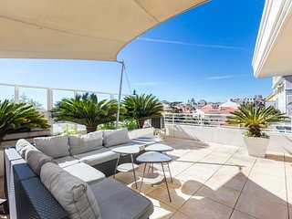 Fantastic Bristol Penthouse with Balcony in Cannes - Cannes vacation rentals