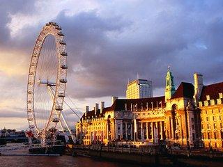 LONDON EYE!TOP LOCATION*BUDGET*2bed2bath*XXL*CLEAN - London vacation rentals