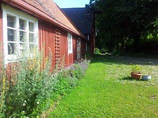 Naturskönt  avskilt hus på gammal gård i mellanskåne - Sosdala vacation rentals