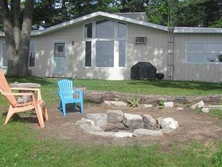 Nice House with DVD Player and Deck in East Tawas - East Tawas vacation rentals