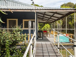 Bills Beach House - Affordable Accommodation - Guilderton vacation rentals
