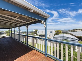 Sea Change - Spacious Family Holiday Accommodation Pet friendly - Ledge Point vacation rentals