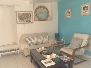1 Bedroom Apt. Private Pool, Patio Area &  Garden.Beaches within short walk. - Fitts vacation rentals