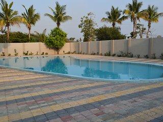 JK Rooms, Koradi - Upto 60% Off + Free: Breakfast & Wi Fi* - Nagpur vacation rentals