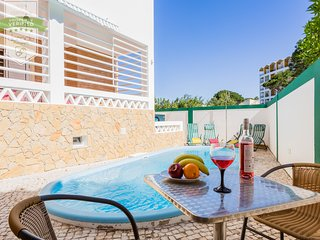 VILAMOURA BEACH HOUSE WITH PRIVATE HEATED POOL - 6 BDR - Vilamoura vacation rentals