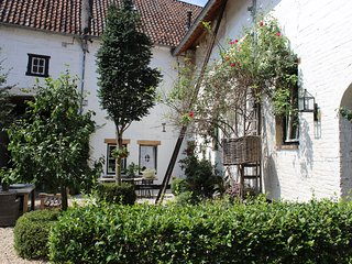 Maastricht/Limburg Hills, 1 location, 2 comfortable houses, for up to 14 people - Gronsveld vacation rentals