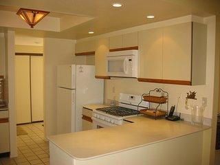 Centrally Located Spacious Single Level Condo - Rose Garden - Monthly Rental - Palm Springs vacation rentals