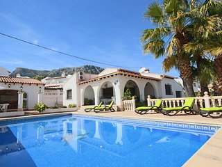 Tranquil 3-bed Calpe Villa w/Private Pool - Walk to the City Centre & Beach - Calpe vacation rentals