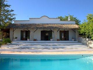 Comfortable 4 bedroom Loule Villa with Internet Access - Loule vacation rentals