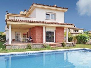 5 bedroom Villa in Sant Pere Pescador, Costa Brava, Spain : ref 2280782 - Sant Pere Pescador vacation rentals